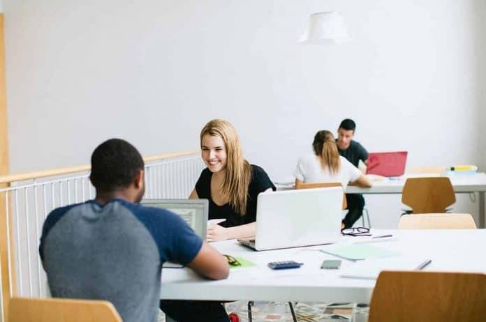 Salon des études supérieures avec ou sans alternance : trouvez votre formation