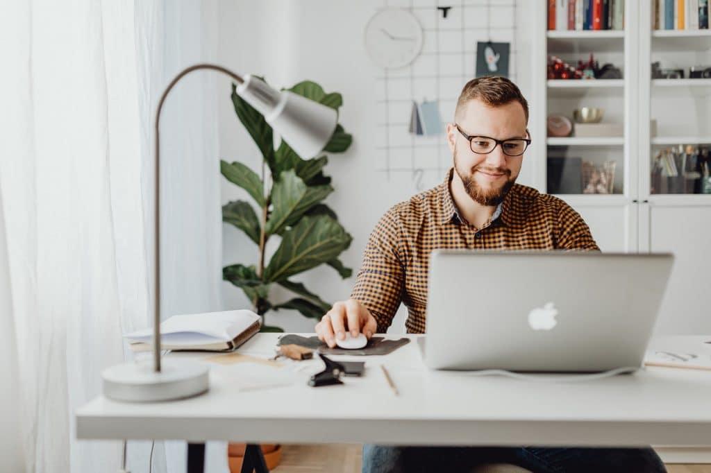 Comment trouver un emploi stable et le décrocher efficacement?
